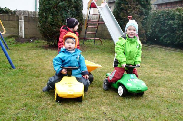 Kindertagespflege macht mobil: Ein Teil des TiQ!-Fuhrparks.