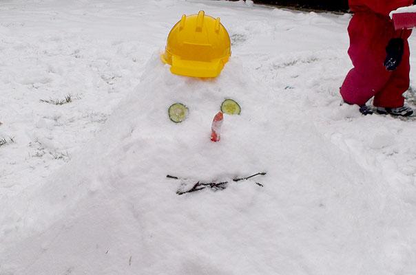 So sieht er aus, der Schneemann der Tageskinder der Kindertagespflege TiQ! in Braunschweig Querum.