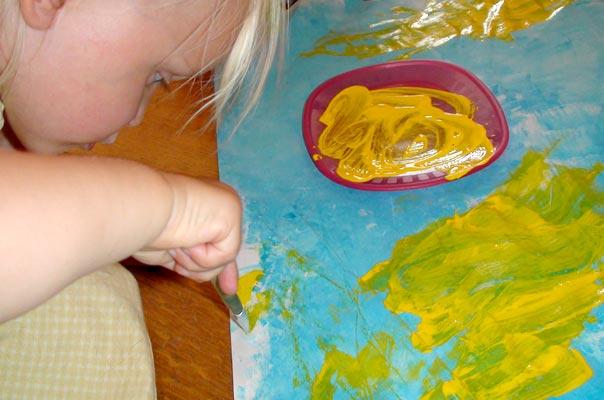 Tageskinder malen ein Ferienbild  ? TiQ! Tagespflege in Querum Nicole Appel und Antje Storek, Kindertagespflege Tagesmutter Großtagespflege Braunschweig Querum