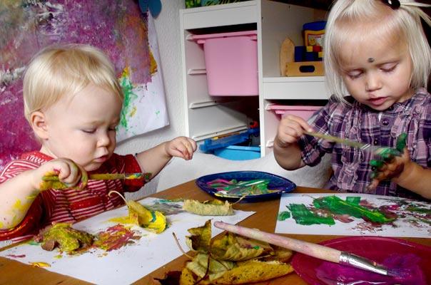 Das bunteste Herbstlaub auf der ganzen großen bunten Welt ? TiQ! Tagespflege in Querum Nicole Appel und Antje Storek, Kindertagespflege Tagesmutter Großtagespflege Braunschweig Querum