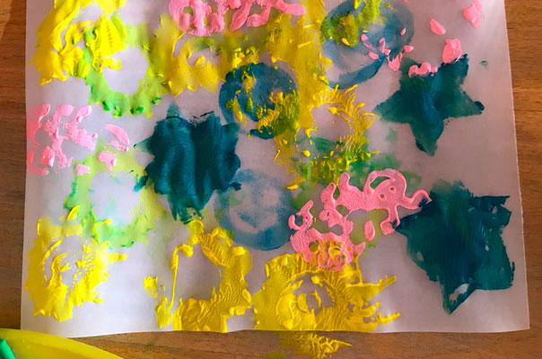 Labastel, Labastel, La-La-La ... - Tageskinder basteln Laternen! TiQ! Kindertagespflege in Braunschweig Querum, Nicole Appel und Antje Storek – Kindertagespflege, Tagesmutter und Großtagespflege für Braunschweig Querum, Gliesmarode, Riddagshausen, Östliches Ringgebiet, Volkmarode, Bienrode, Waggum, Hondelage, Schuntersiedlung, Kralenriede, Dibbesdorf, Schwarzer Berg, Siegfriedviertel, Nordstadt und Schapen